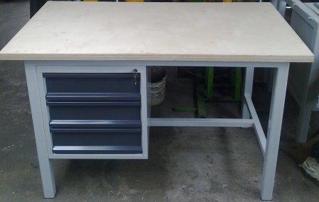 stół  ciężki 1600x900x1000 3 szuflady